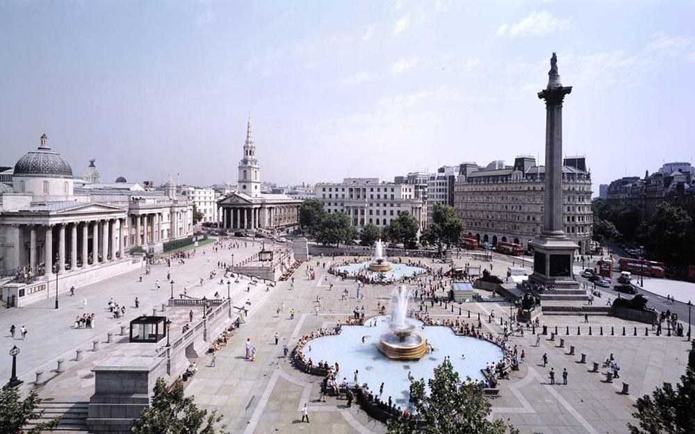 Trafalgar Square by www